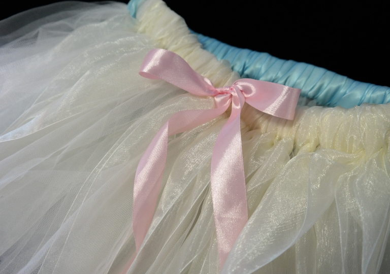tutu_white_pink_ribbon2